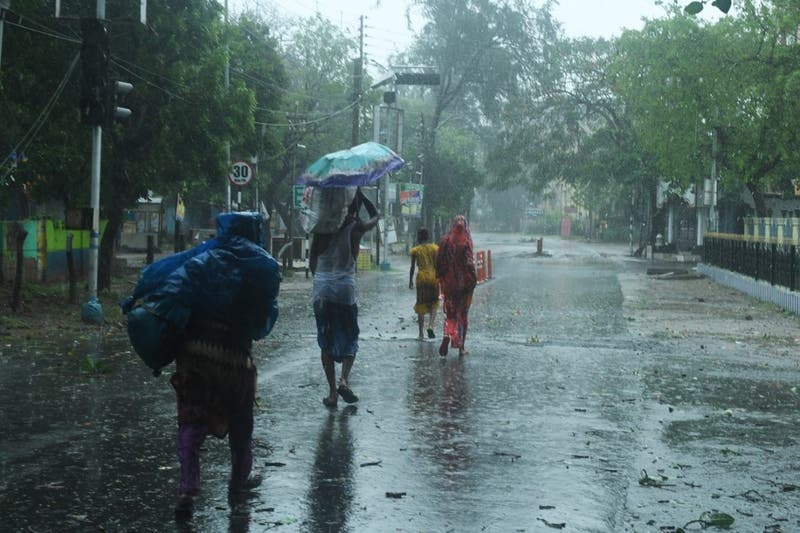 Potente ciclón Amphan causa un primer muerto