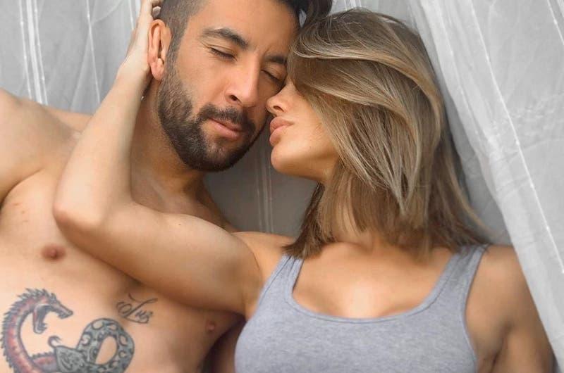 El elegante desnudo que mostraron Gala Caldirola y Mauricio Isla en sus redes sociales