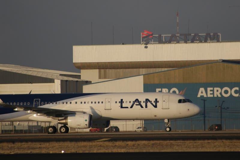 Acciones de Latam rebotan y se elevan más de 10% en las primeras operaciones del día