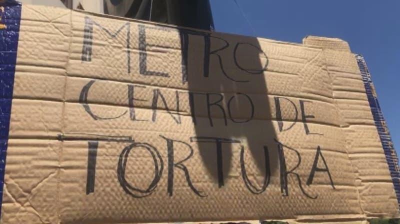 PDI anuncia querella por falsas acusaciones de tortura en estación de Metro Baquedano