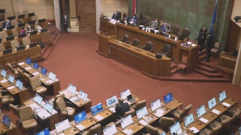 Duro debate parlamentario: Congreso aprueba límite a la reelección
