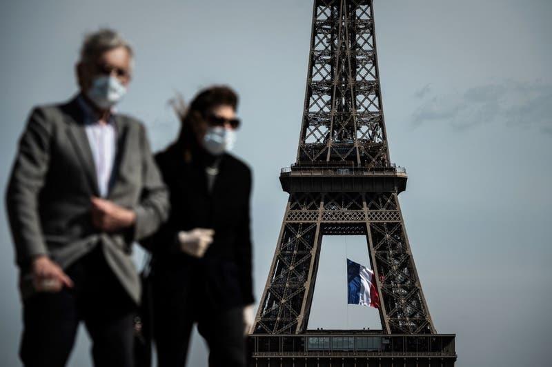 """Francia asegura que """"lo más duro de la epidemia quedó atrás"""""""