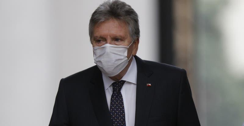 """Ministro Espina: """"Chile fue de los primeros países que se dio cuenta de que era un virus tremendo"""""""