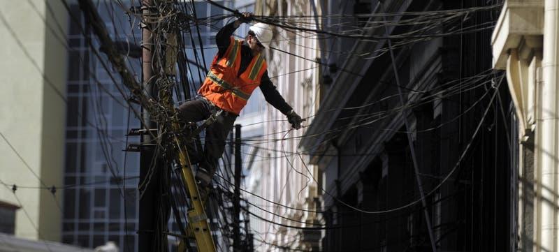 VTR denunció nuevo corte intencional de fibra óptica: Afectó a cinco comunas de la capital
