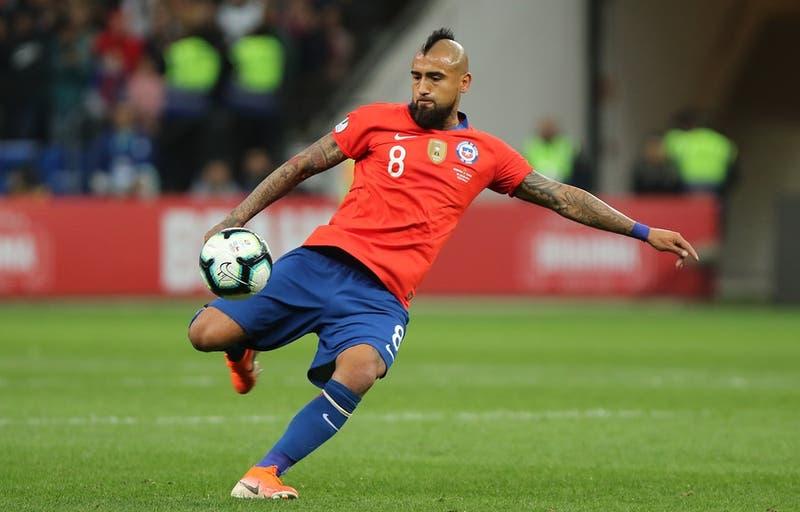"""Vidal reconoce que """"sería un sueño"""" jugar en Boca: """"Nunca tuve la suerte de jugar en La Bombonera"""""""