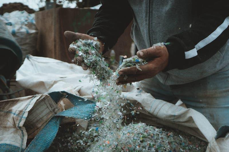 Pyme de la construcción ha reutilizado 5 toneladas de plástico