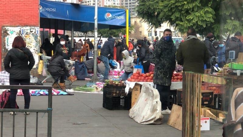 Comercio ambulante sigue sin control en Recoleta