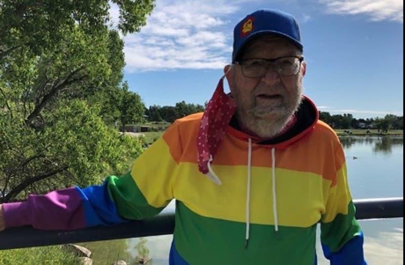"""Hombre de 90 años escribe carta para revelar su orientación sexual y vivir al fin en """"libertad"""""""