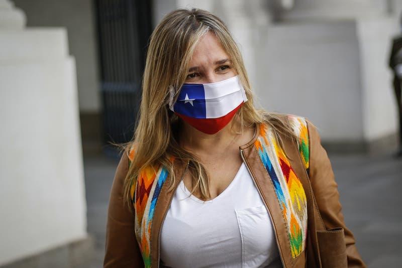 """UDI: """"Por razones humanitarias, Gobierno debiese permitir que Bachelet asista a funeral de su madre"""""""