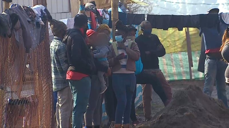 Mujer muere en campamento en Batuco: Vecinos denuncian falta de atención sanitaria