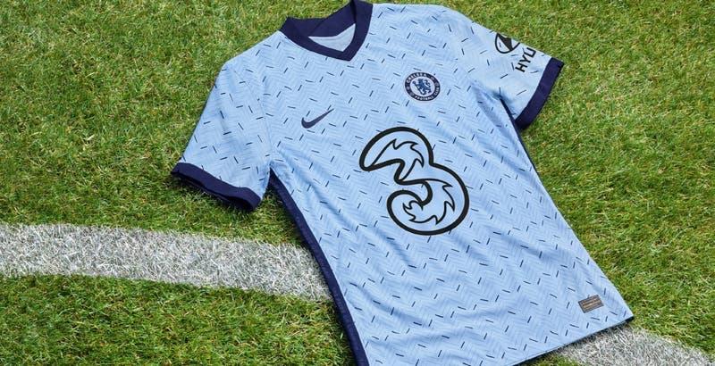 Chelsea estrena nueva camiseta que es comparada con un pijama