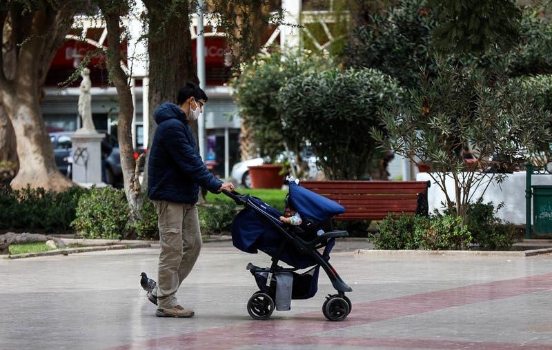 Comisión de Trabajo del Senado aprueba proyecto de licencia médica parental para extender posnatal