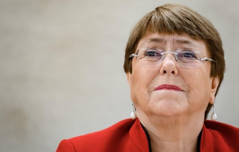 """""""Podemos cambiar el mundo"""": La reaparición de Michelle Bachelet en redes sociales"""