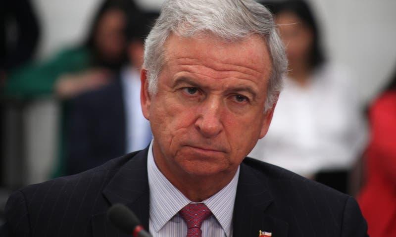 Felipe Larraín dice que Gobierno debería llevar al TC o vetar el retiro del 10% si se aprueba