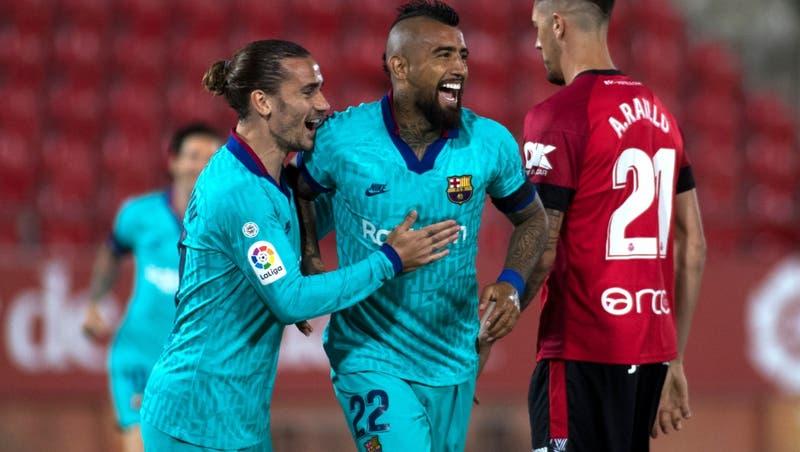 """""""Suda la camiseta"""": Prensa española incluye a Vidal como uno de los mejores de la temporada"""