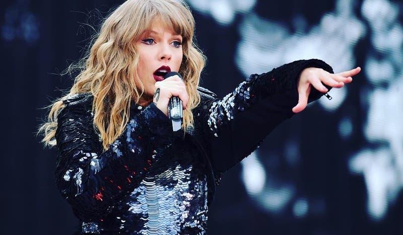 Taylor Swift sorprende a sus fanáticos con inesperada noticia musical en cuarentena