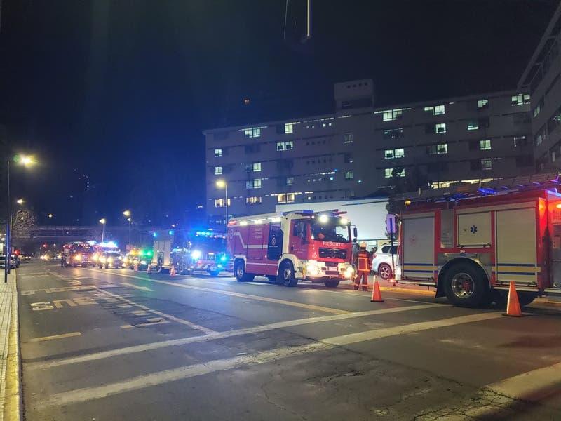 Reportan emanación de humo en Hospital Metropolitano en Providencia
