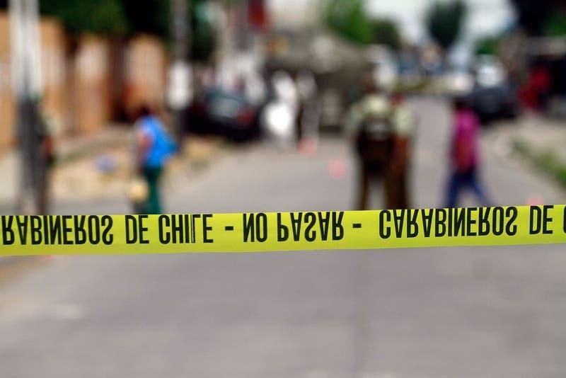 Investigan muerte de una persona al interior de motel tras presunta riña en la comuna de Santiago