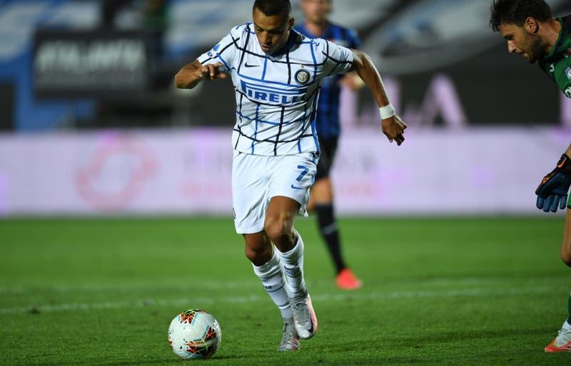 ¿Sigue en el Inter? Inscriben a Alexis en la lista para la fase final de la Europa League