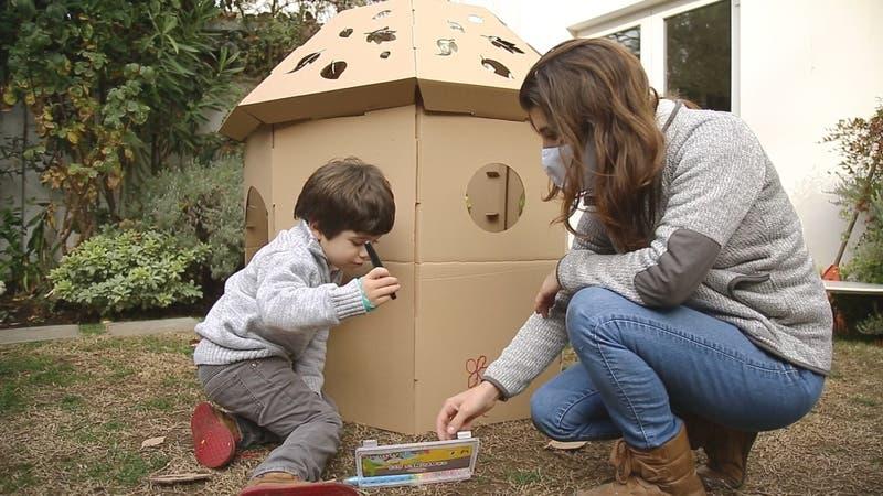 """""""Magia y Cartón"""": Diseñadora vende juguetes de cartón"""