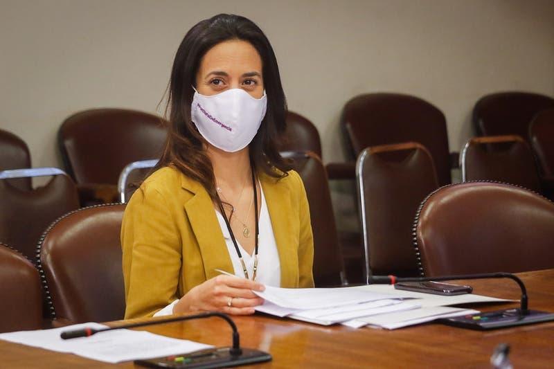 Paulina Núñez sale al paso de Carlos Larraín: confirma candidatura a presidencia de RN