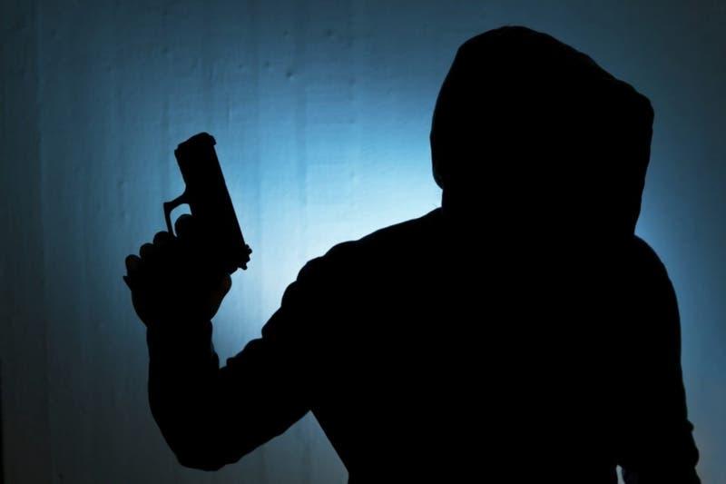 Hombre acusado de violación es liberado por la pandemia y mata a su denunciante