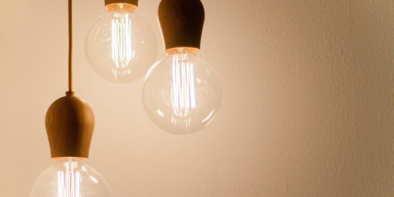 Reportan masivo corte de luz en algunas comunas de la Región Metropolitana