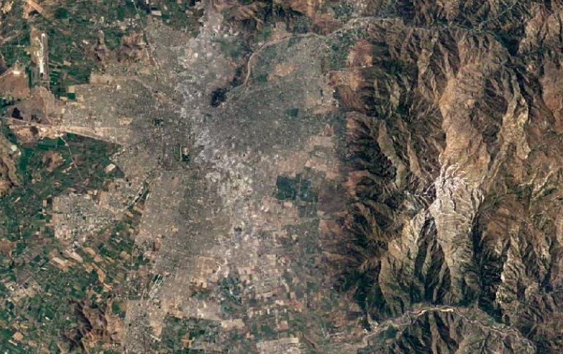 Imágenes satelitales muestran cómo ha cambiado Chile (y cualquier ciudad) desde 1984 hasta ahora