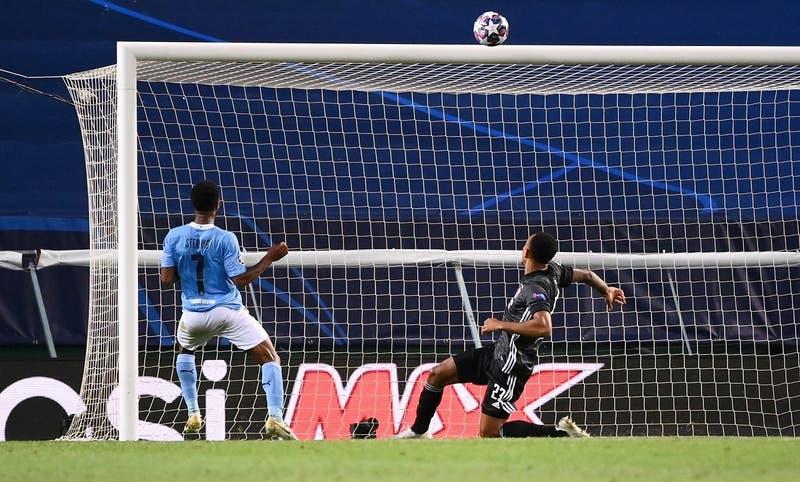 Sin piedad: Los memes que deja el gol que se perdió Sterling en el partido contra Lyon
