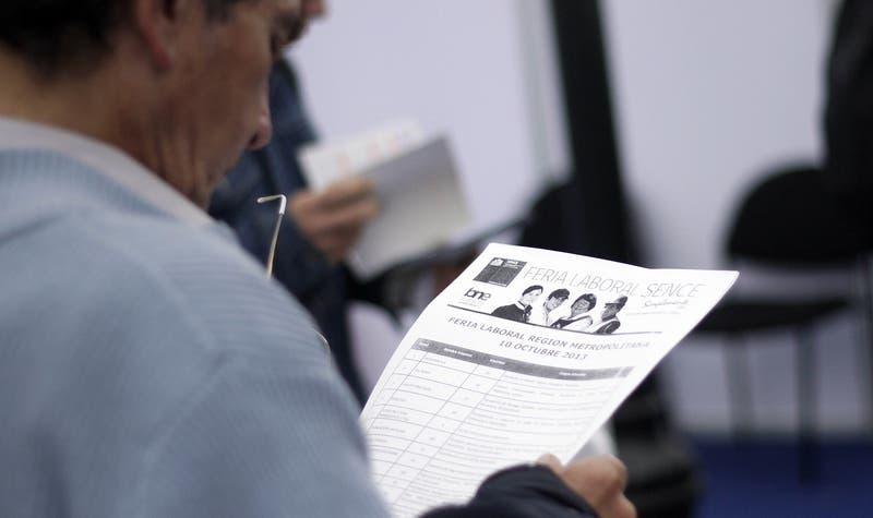 Lanzan feria laboral online para la Región Metropolitana: Conce cómo y cuándo postular