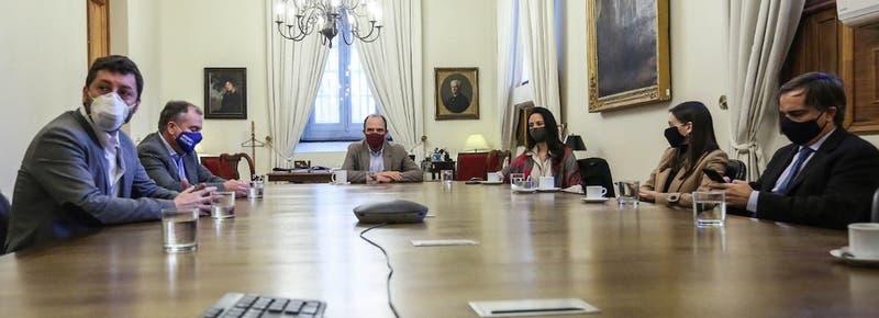 """Examen al """"nuevo trato"""": los episodios que ponen a prueba la relación entre La Moneda y Chile Vamos"""