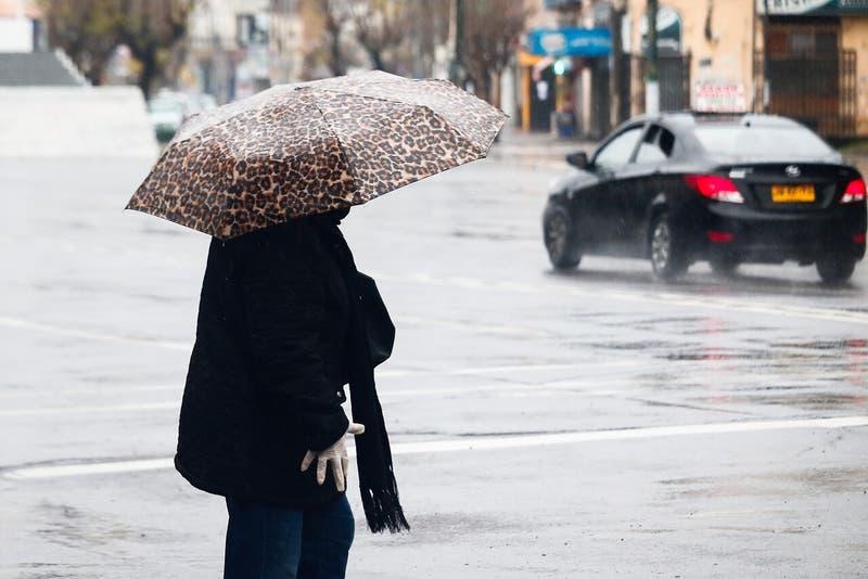 De Coquimbo a Los Lagos: Sistema frontal con lluvia y viento se registrará desde este domingo