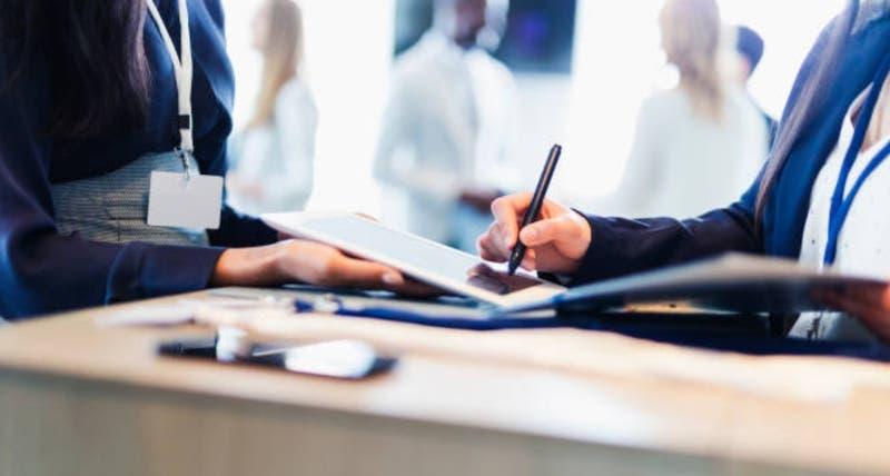 Emprendedor entrega 8 recomendaciones clave para mantener a flote un negocio