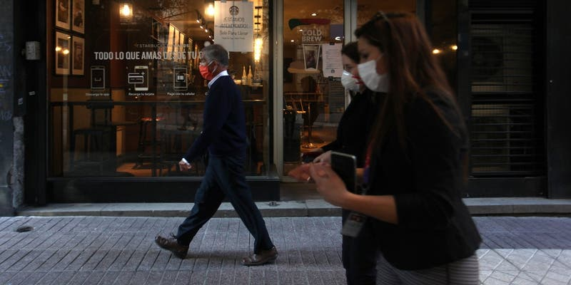 Crisis sanitaria por COVID-19 dejó a 100 mil inmigrantes sin empleo en Chile