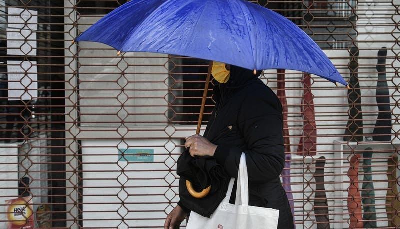 Continúan las lluvias y el viento en la zona central: Revisa el pronóstico del tiempo de este martes