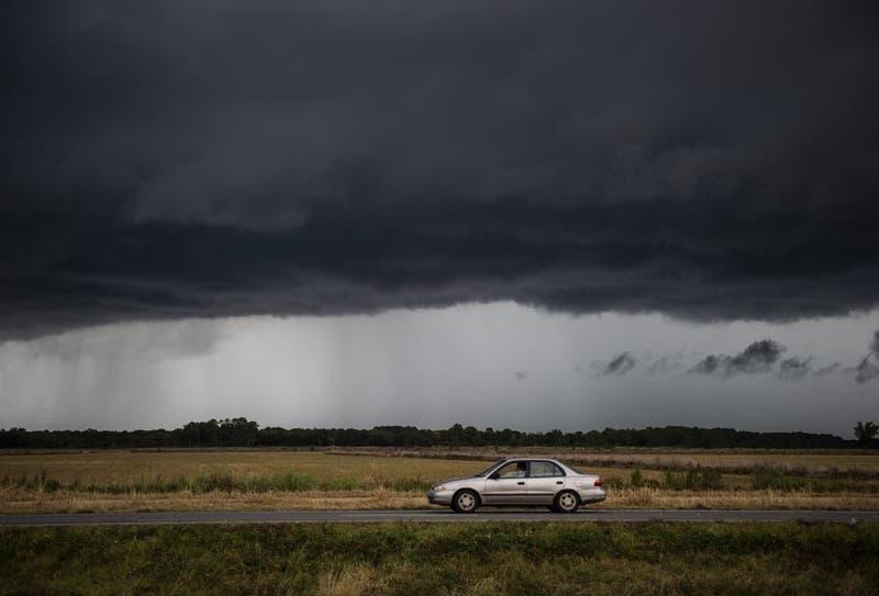 Huracán Laura se acerca a Texas y Luisiana con vientos de 150 km/h