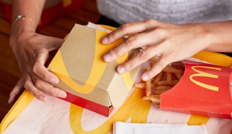 McDonald's anuncia que eliminará colorantes y aromatizantes artificiales en sus productos en Chile