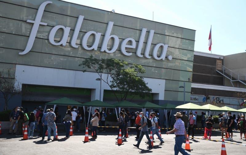 Falabella lidera las bajas en la Bolsa tras reportar fuertes pérdidas por los efectos de la pandemia