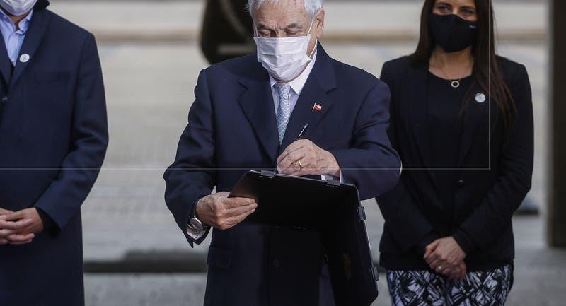 """Piñera promulga Ley Nacional del Cáncer: """"Va a significar un alivio para muchos chilenos"""""""