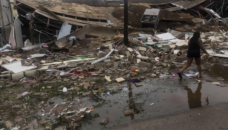 """Luisiana y Texas sufren azote del huracán Laura con potencia """"nunca antes vista"""""""