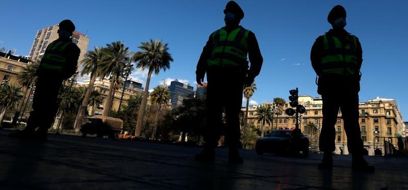 Carabineros busca al dueño de un paquete con dinero encontrado en el centro de Santiago