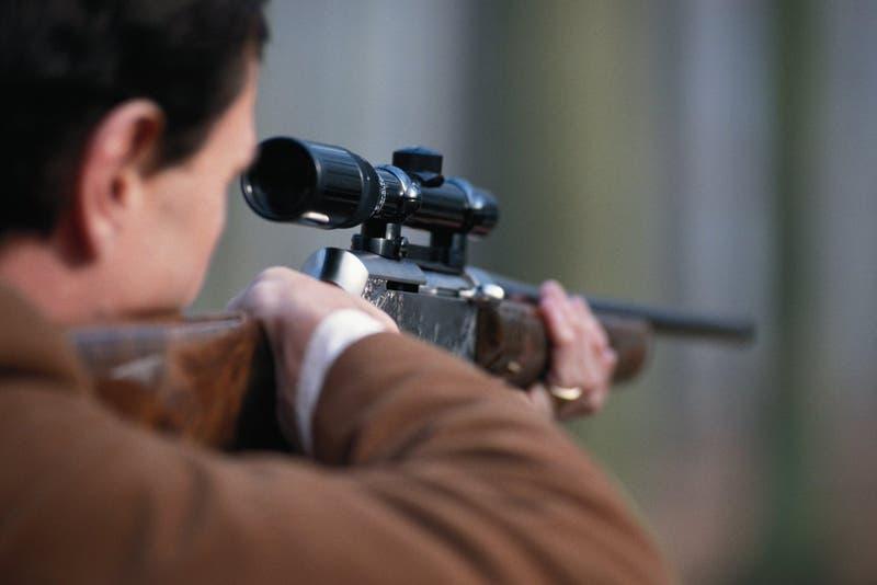 Cazador muere luego que su hijo le disparara accidentalmente