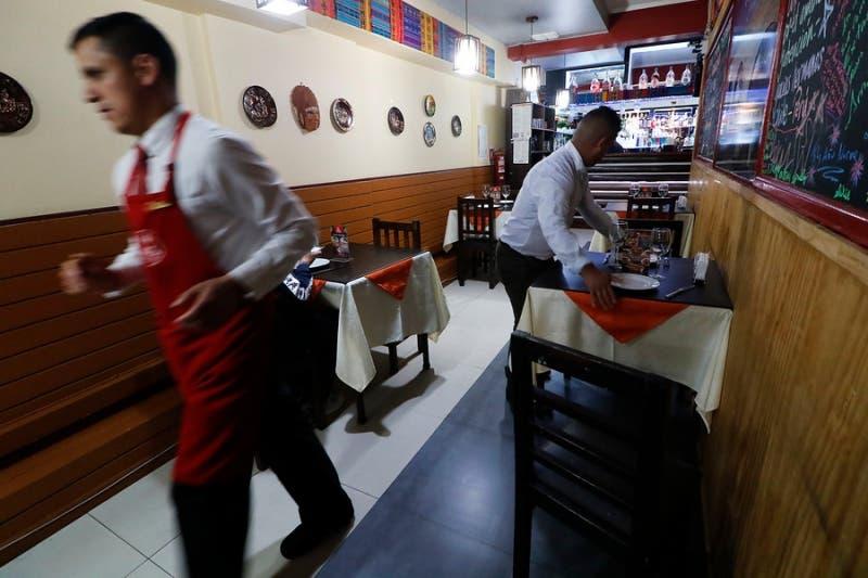 Rebajar el IVA: la ambiciosa petición del sector gastronómico al gobierno para salir de la crisis