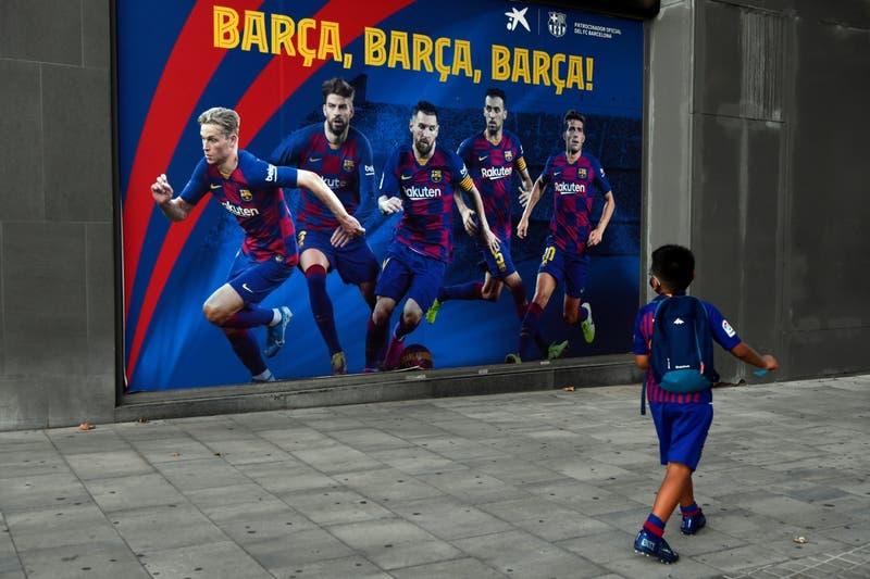 La primera reacción de FC Barcelona en redes luego de que Messi anunciara que se queda en el club