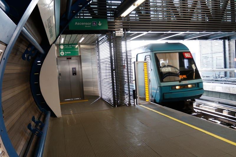 Estación Laguna Sur vuelve a estar operativa y se restaura todo el servicio en la Línea 5 del Metro