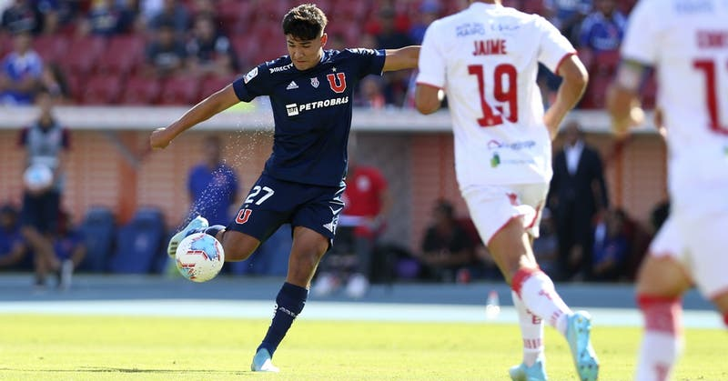 U. de Chile: volante Luis Rojas parte al Crotone de la Serie A