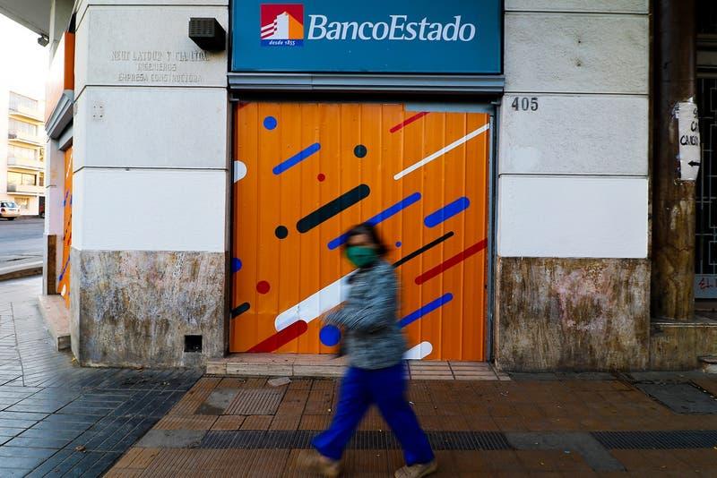 Banco Estado: clientes reportan demora en atención presencial