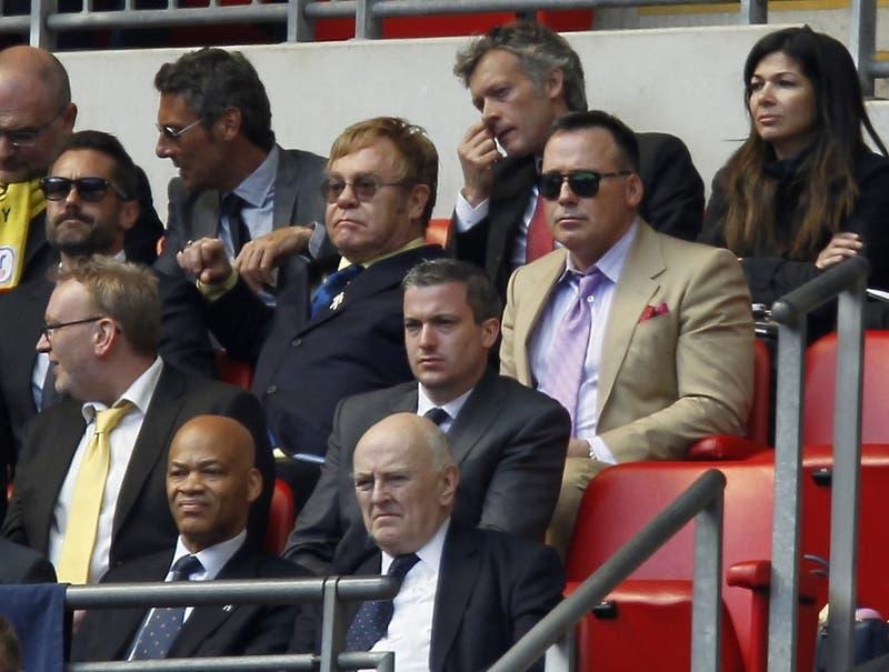 Francisco Sierralta es el nuevo fichaje del Watford y tendrá al mismísimo Elton John como hincha