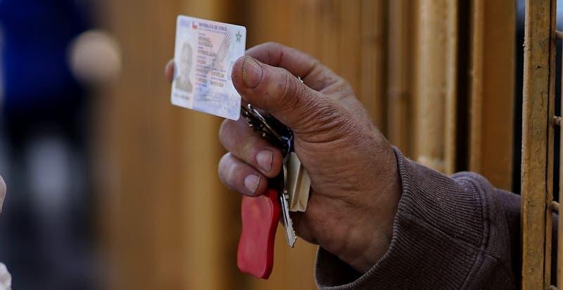 """Habilitan """"Civil Móvil"""" para recuperar cédulas de identidad: Revisa cuándo y en qué comunas estará"""