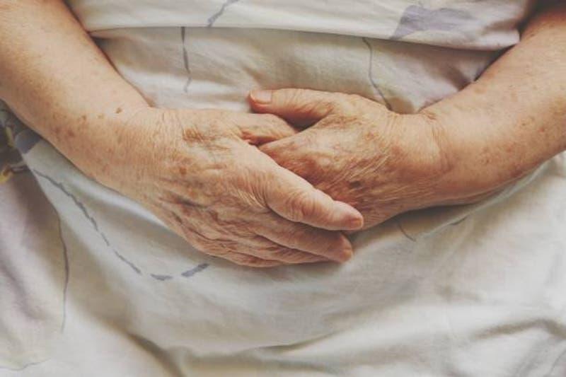 Familia entierra a abuela que murió por COVID-19... estaba viva y no se había contagiado